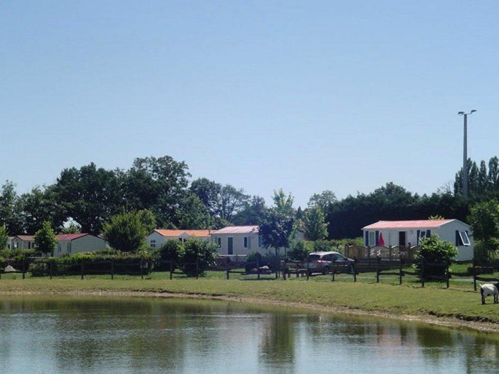 Camping de la motte vendrennes puy du fou les epesses - Camping proche puy du fou avec piscine ...