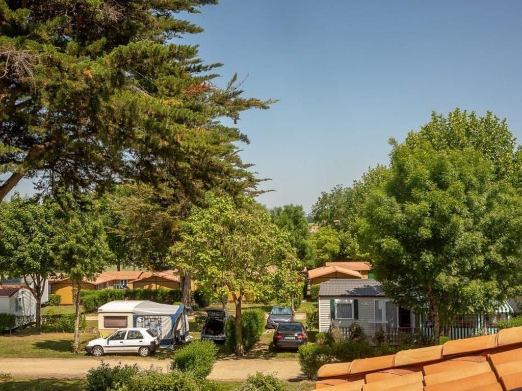Camping Les Alouettes à La Chaize Giraud