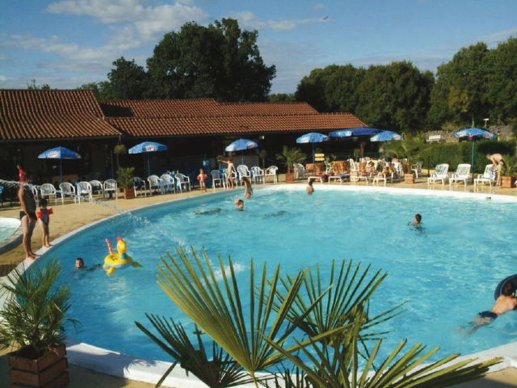 Camping les cigales 24 mobil homes d s 203 for Camping rocamadour piscine