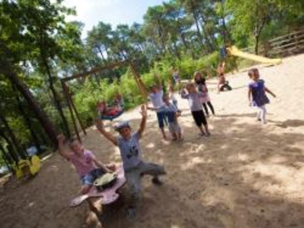 Camping Les Pins De La Coubre
