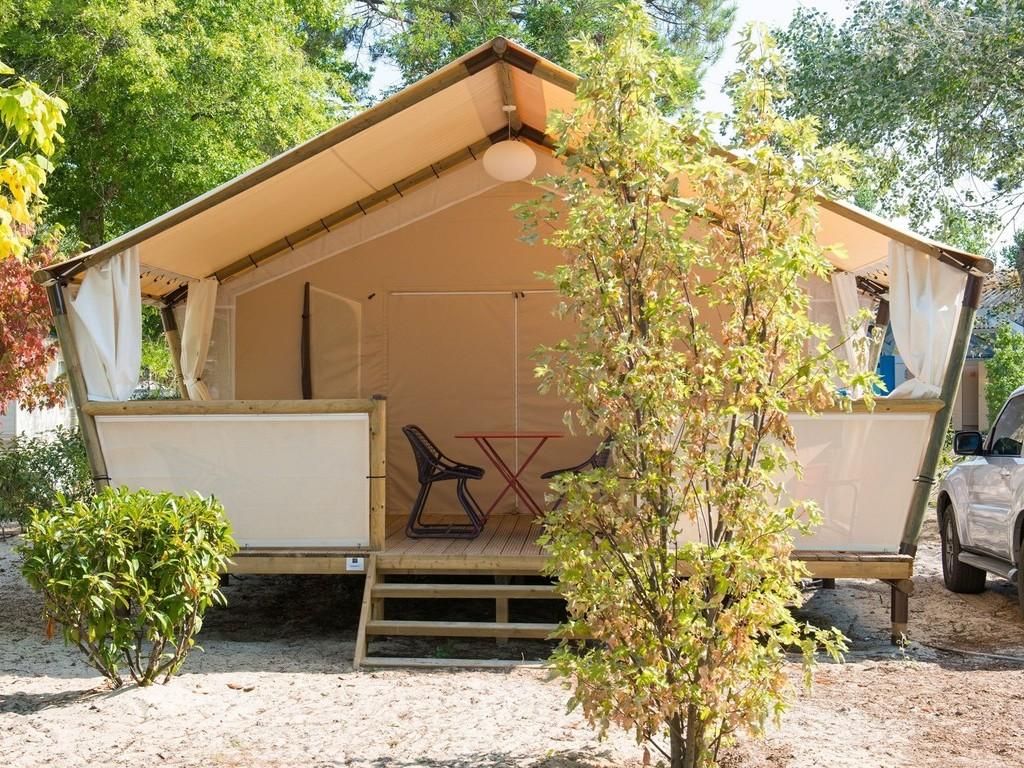 camping navarrosse biscarrosse 116 mobil homes d s 243. Black Bedroom Furniture Sets. Home Design Ideas