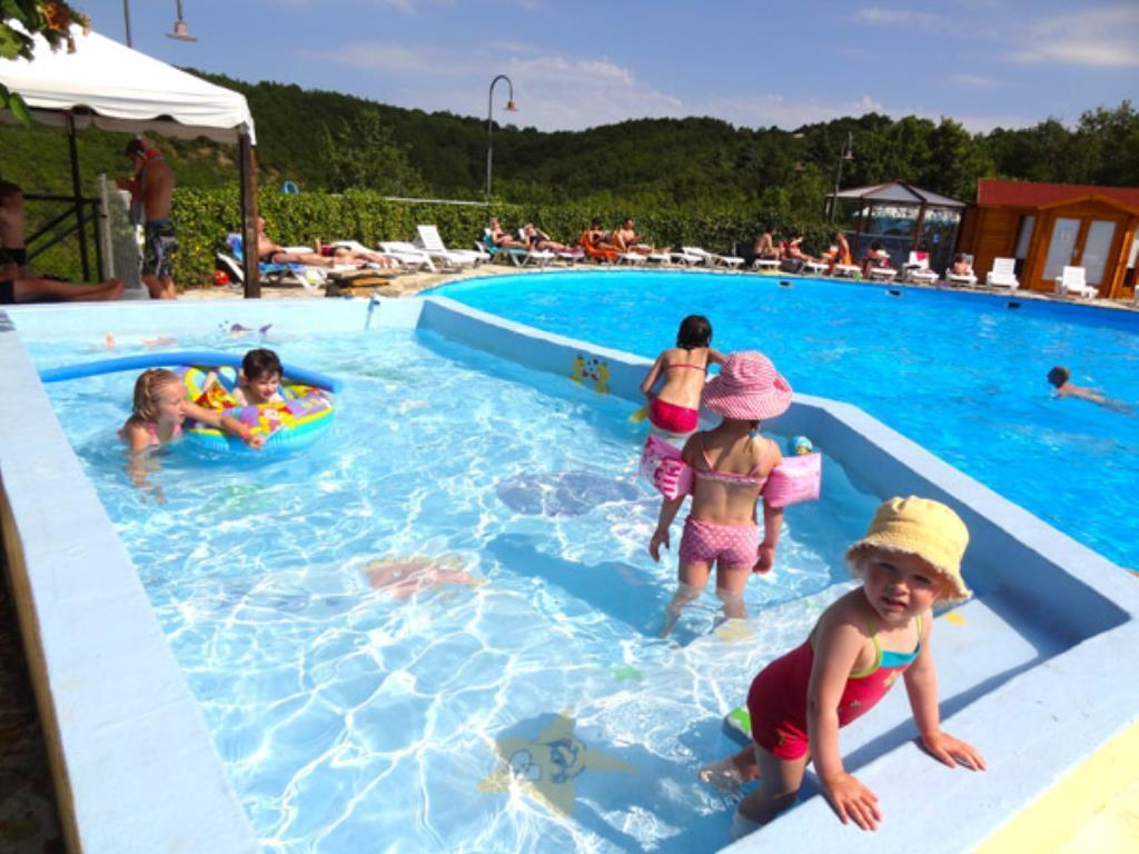 Camping quercy vacances st pierre lafeuille cahors for Camping cahors piscine