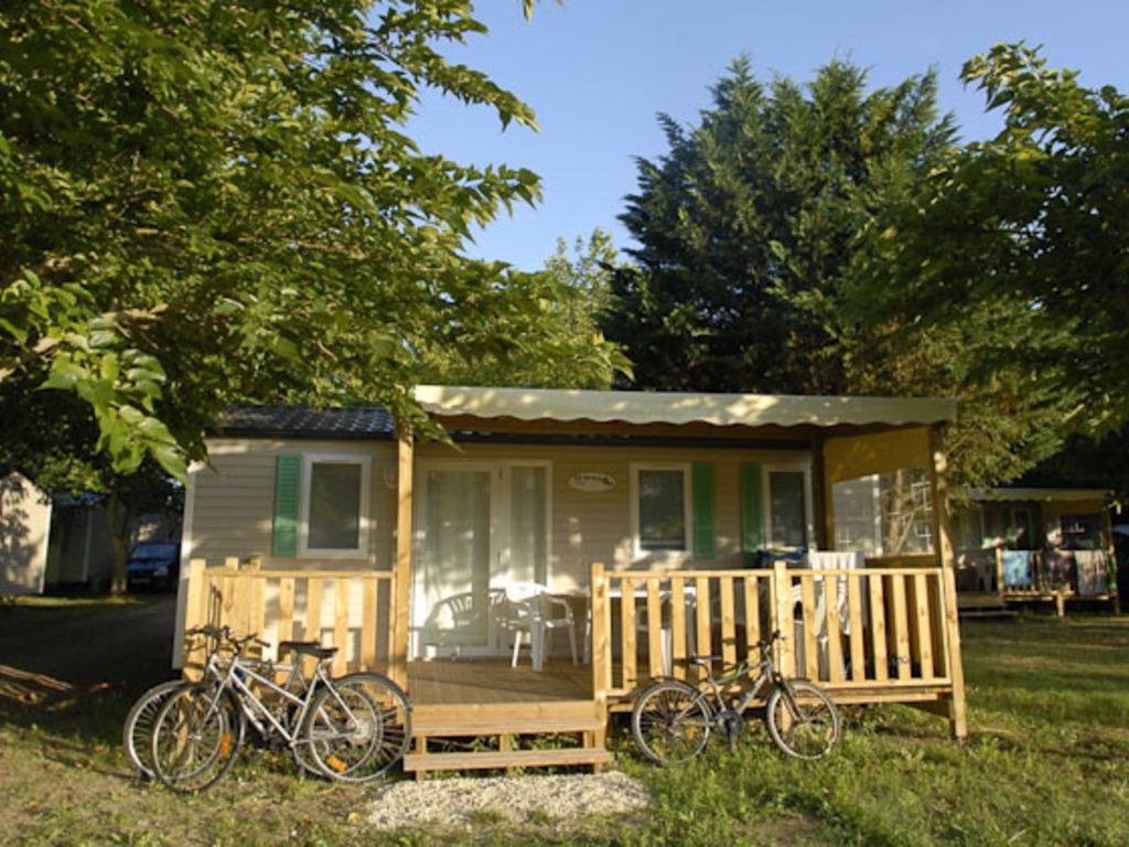 Camping Village Les Bris