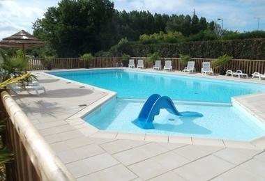 Camping puy du fou les epesses pas cher 16 mobil homes - Camping proche puy du fou avec piscine ...